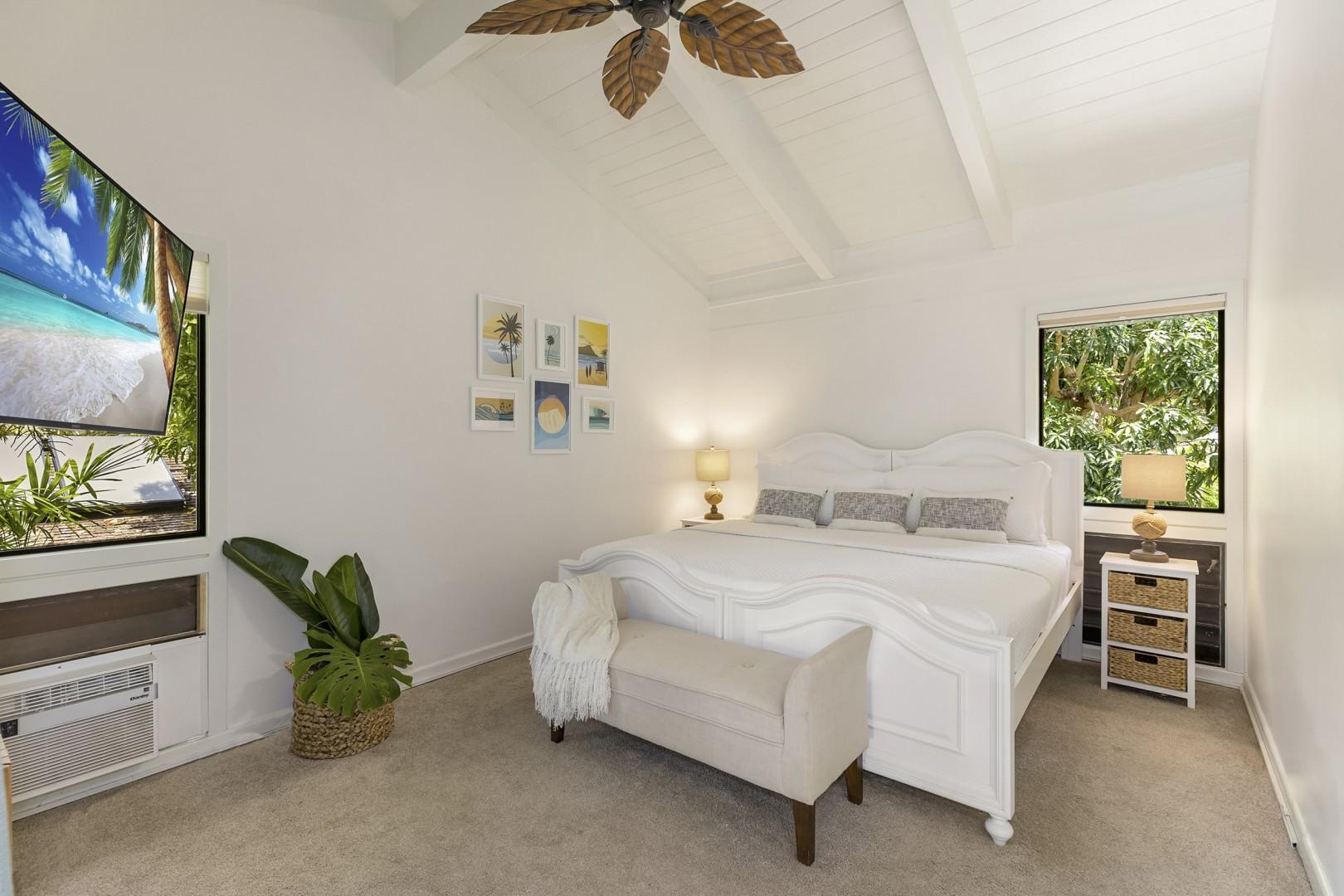 Upstairs Guest Bedroom with Ensuite Bathroom