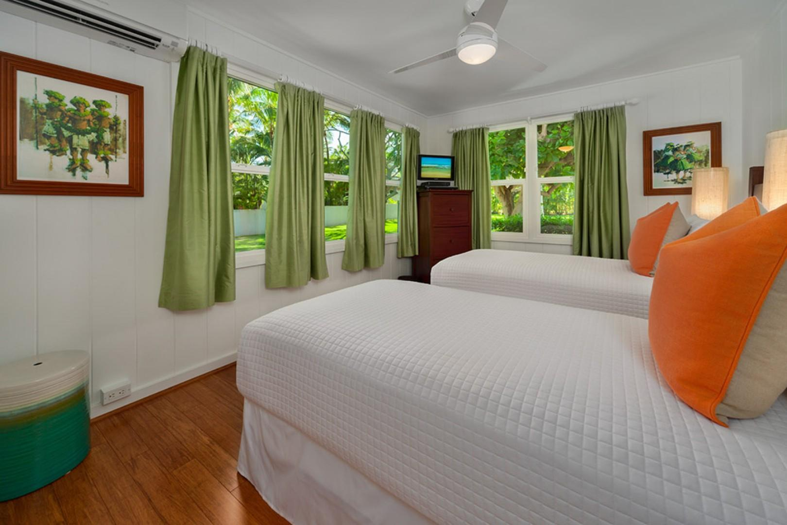 Wailea Sunset Bungalow - Garden View Twin Room also converts to a 2nd King Bed with A/C, TV and DVD