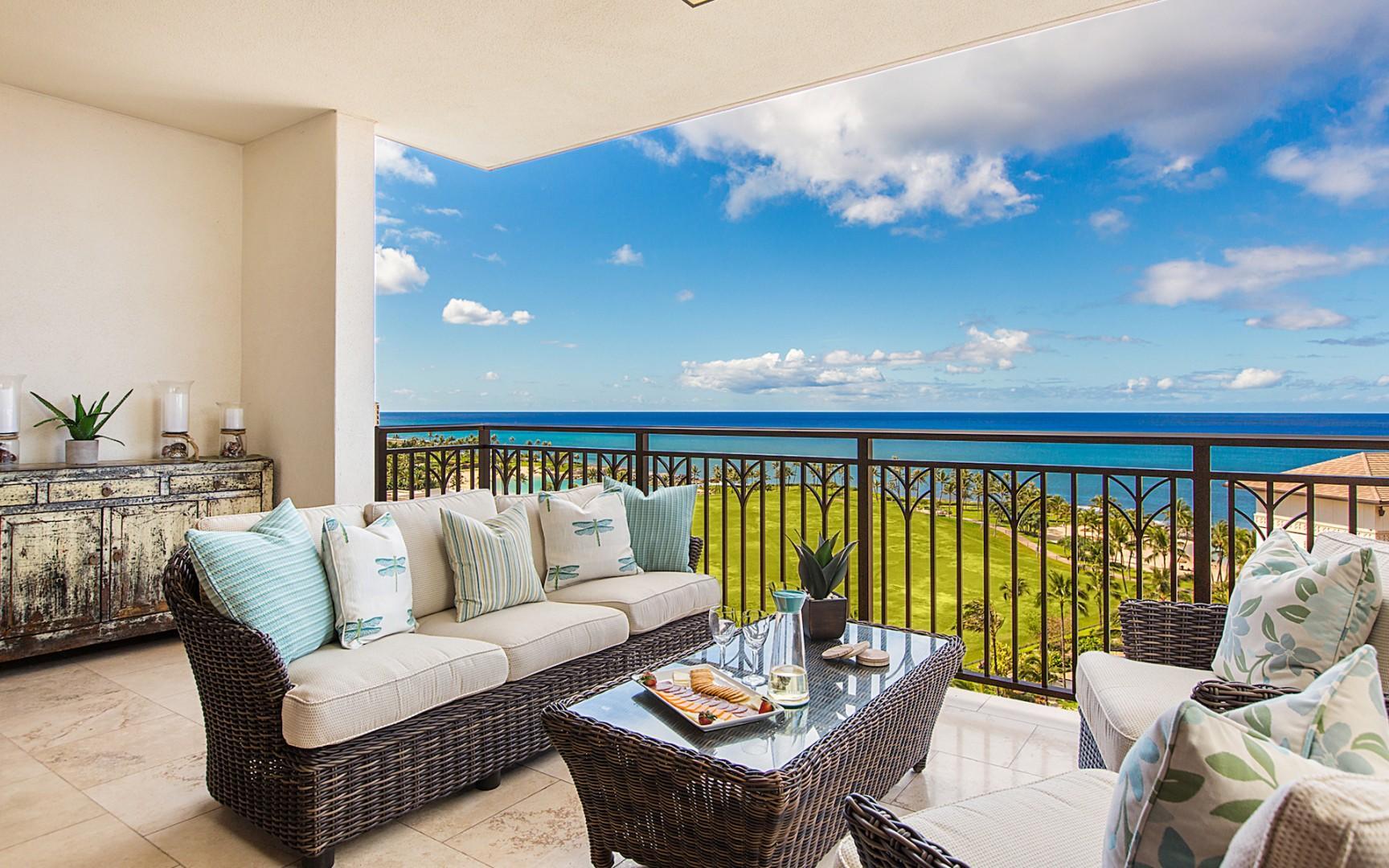 Stunning unobstructed ocean and sunset views from the furnished lanai.