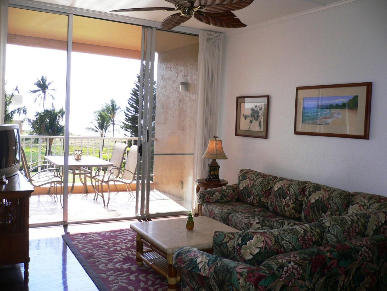 Open the sliding doors for true indoor/outdoor living.
