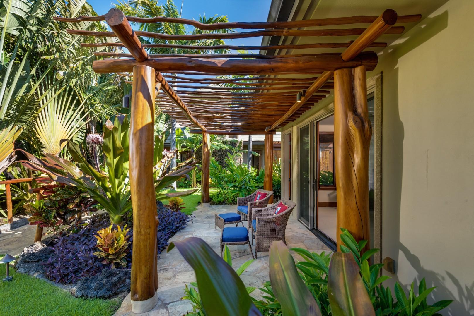 """Private """"Ohana"""" Guest Cottage Patio, a Peaceful Place for Morning Tea or Coffee"""
