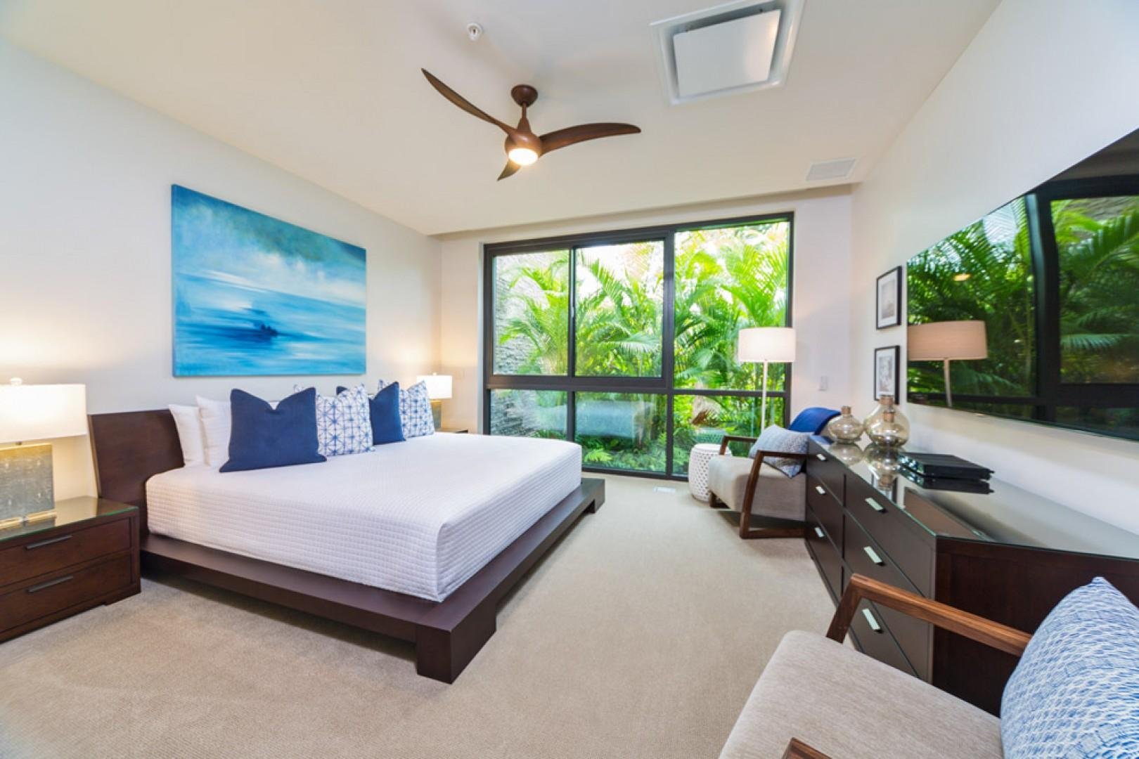 SeaGlass Villa 810 at Andaz Maui Wailea Resort - Second King Bedroom Suite with Tropical Floral Garden Views, Large Flat Panel HDTV with Netflix and En-Suite Private Bath