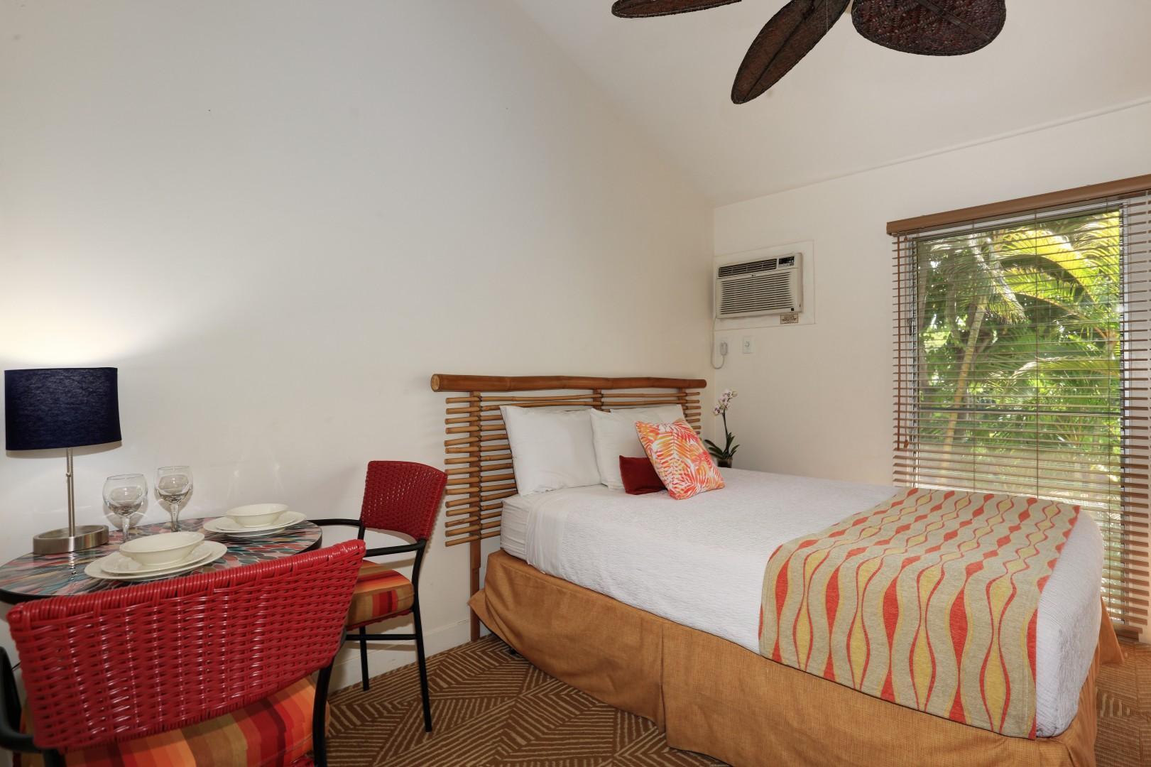 Clean, comfortable and classic Hawaiiana vibe