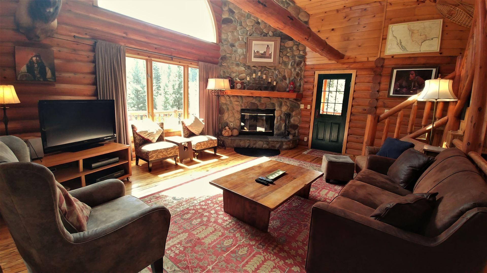 River Chant Lodge