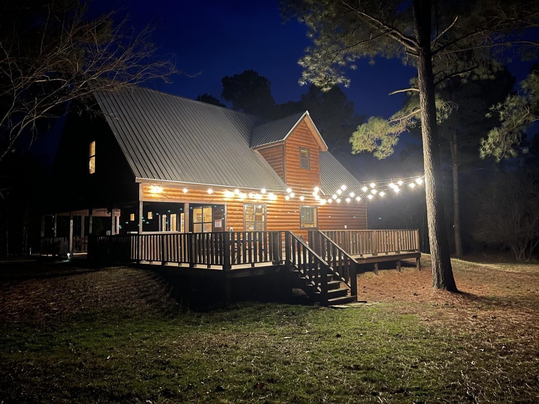 Blue Moon Lodge