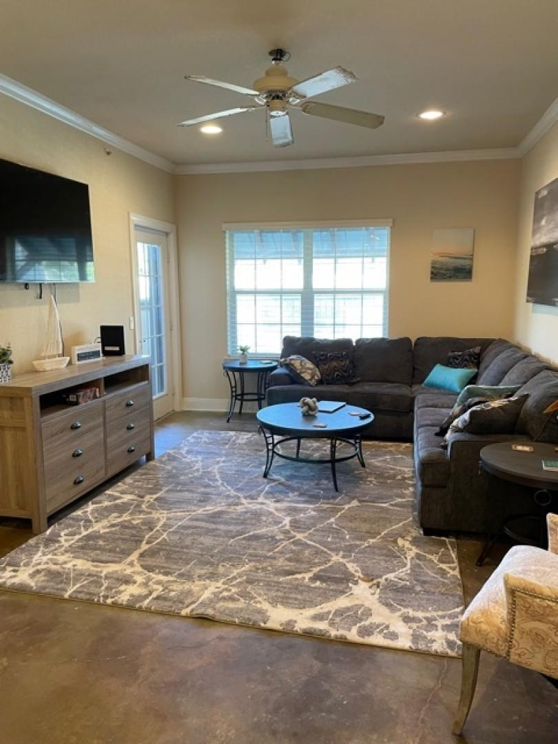 New! Stunning Apartment Just 1 mile from Kyle!