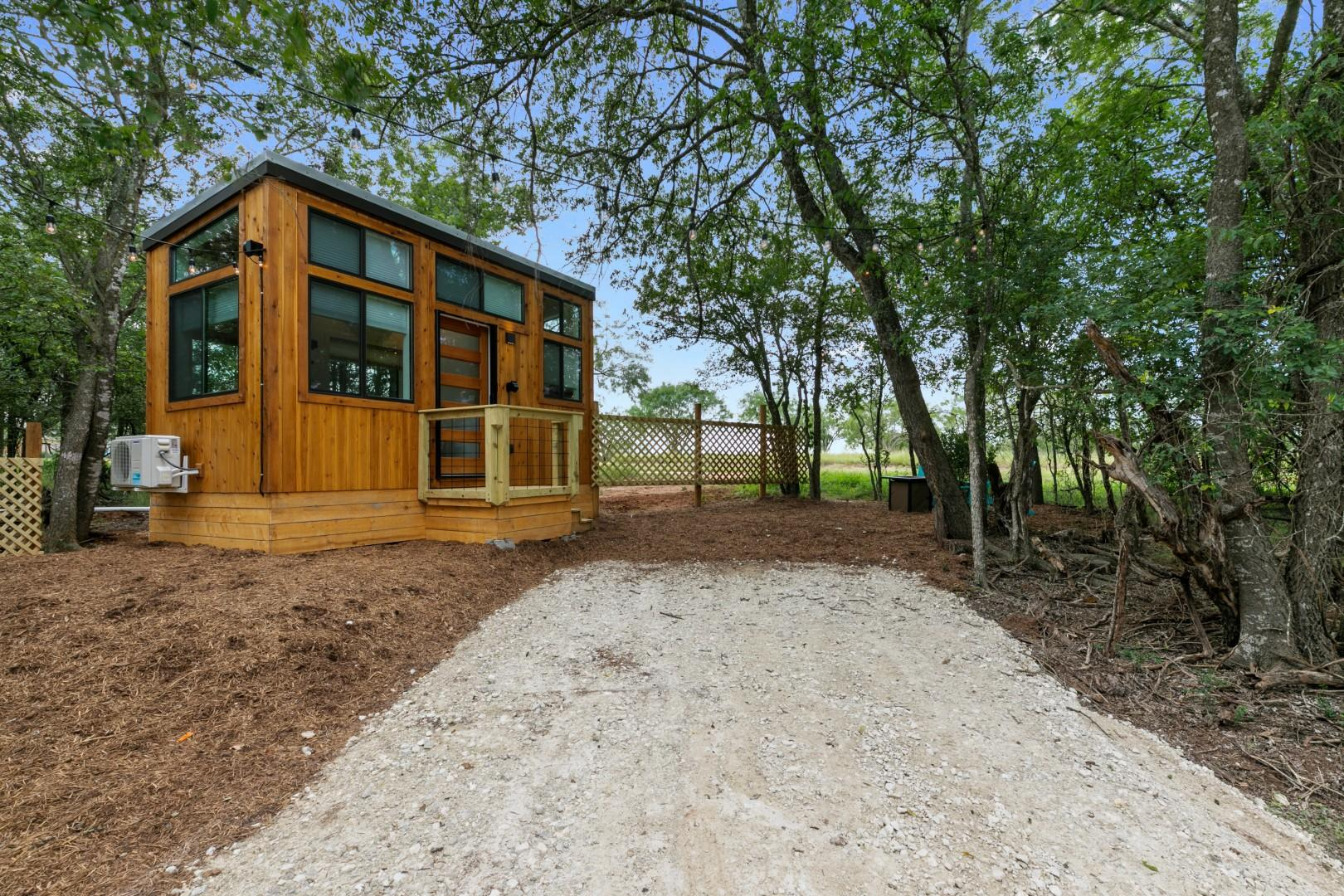 New! Chic&Peaceful Tiny Home w/FirePit