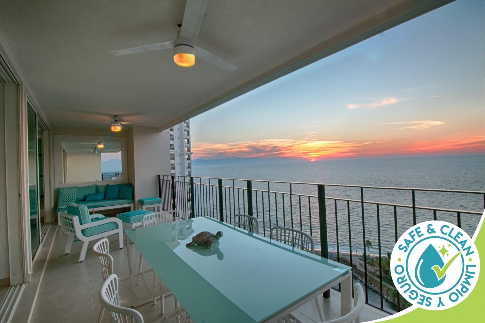 Stunning Upgraded Ocean Views, Huge Balcony, Pools, Central Location