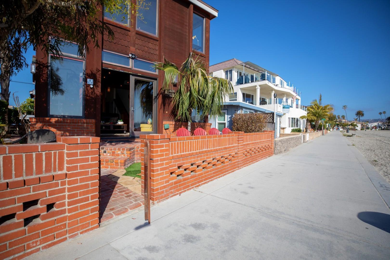 3834_Bayside_Walk_San_Diego_Airbnb_18