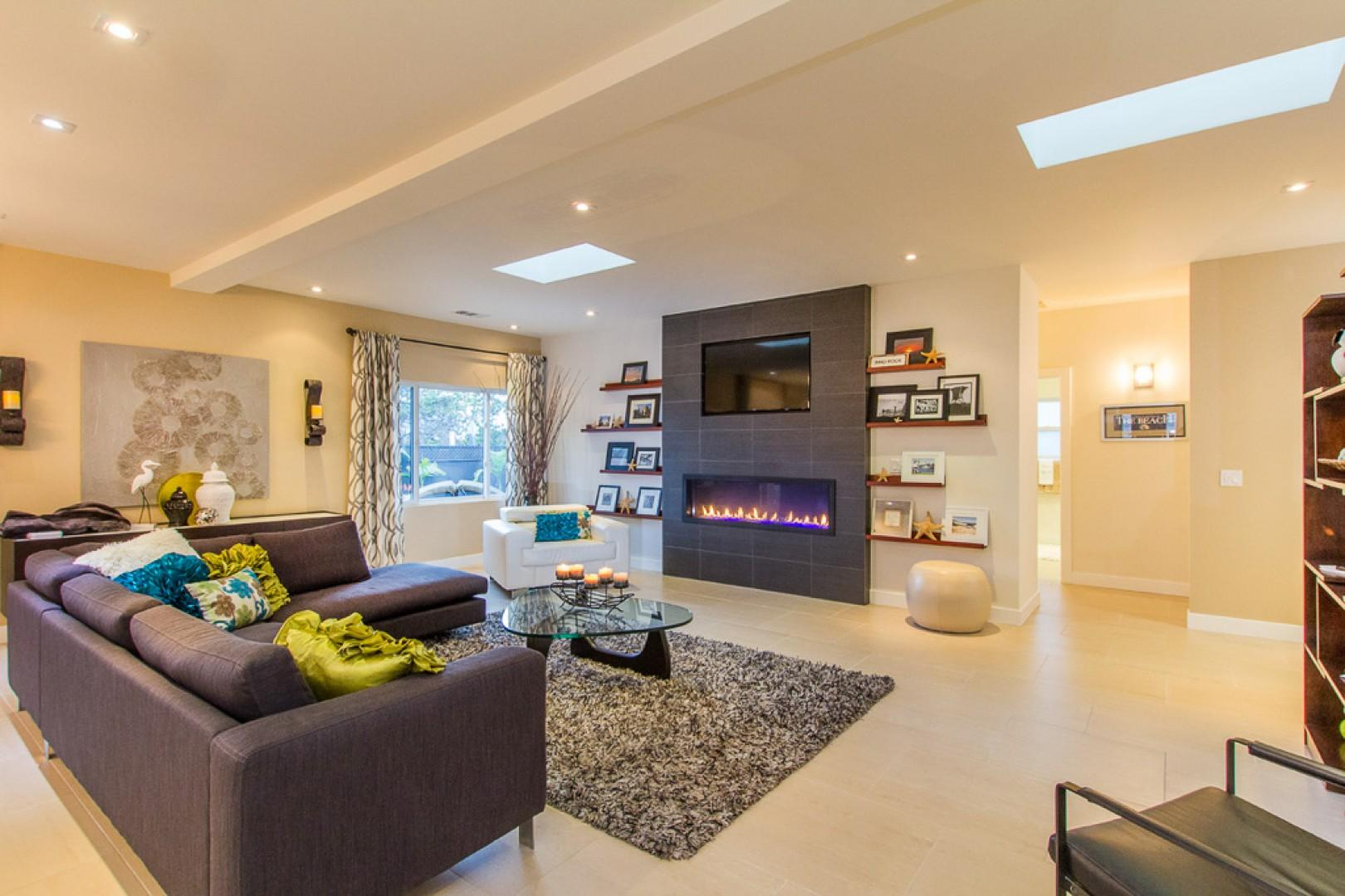 Gas fire feature and flat-screen HDTV