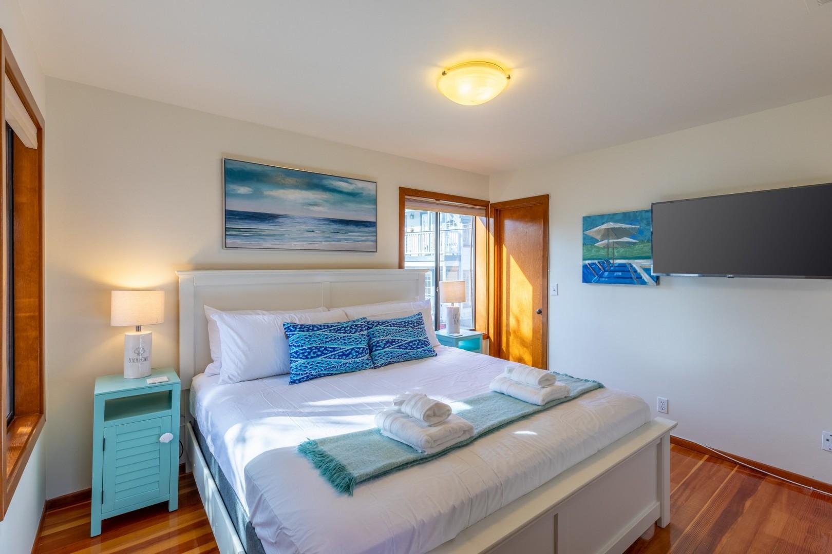 3834_Bayside_Walk_San_Diego_Airbnb_35