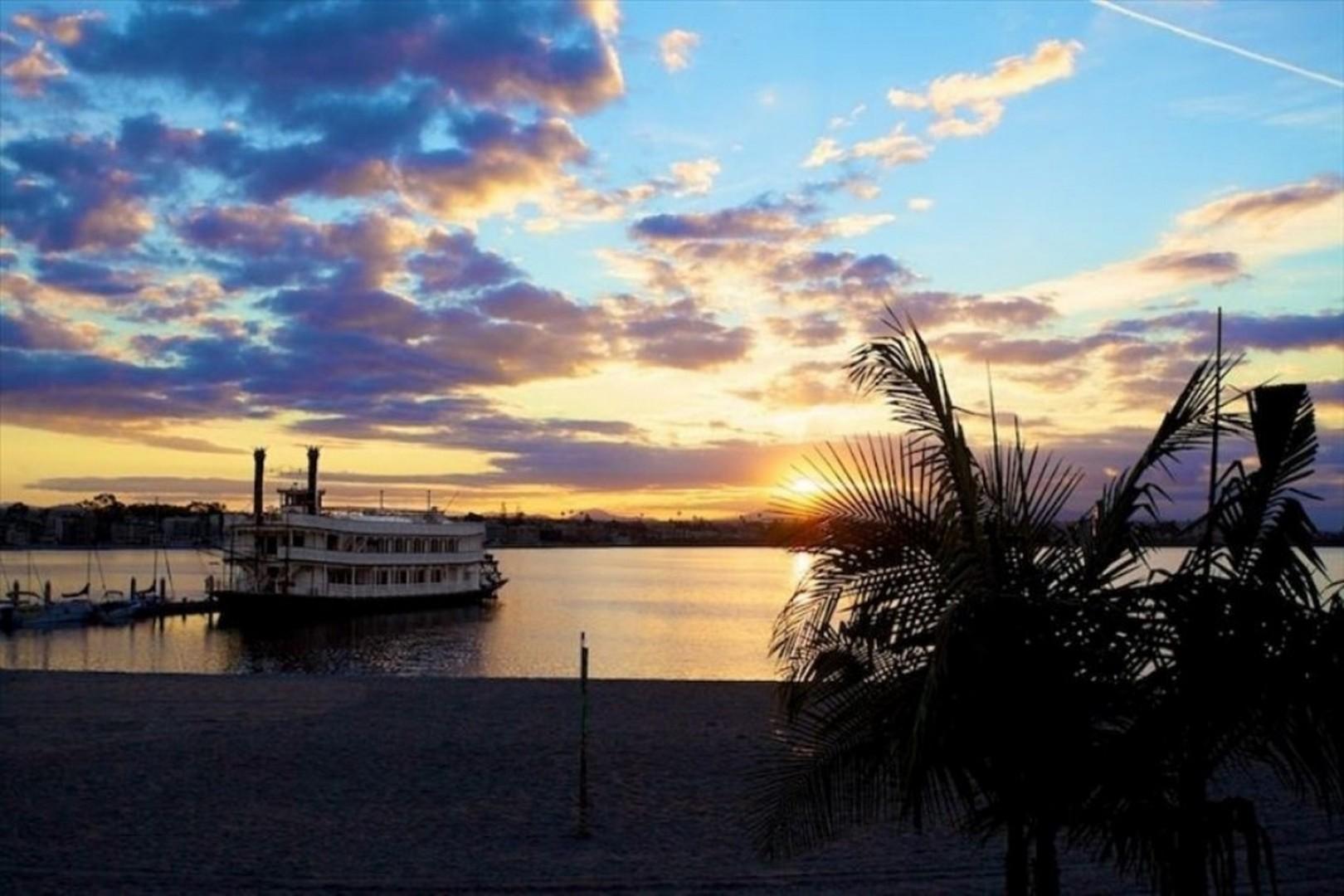 Villa_on_the_Bay_Beach_2100x1400
