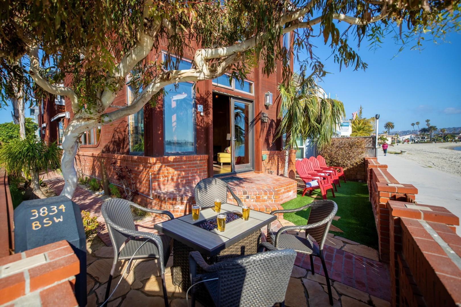 3834_Bayside_Walk_San_Diego_Airbnb_16