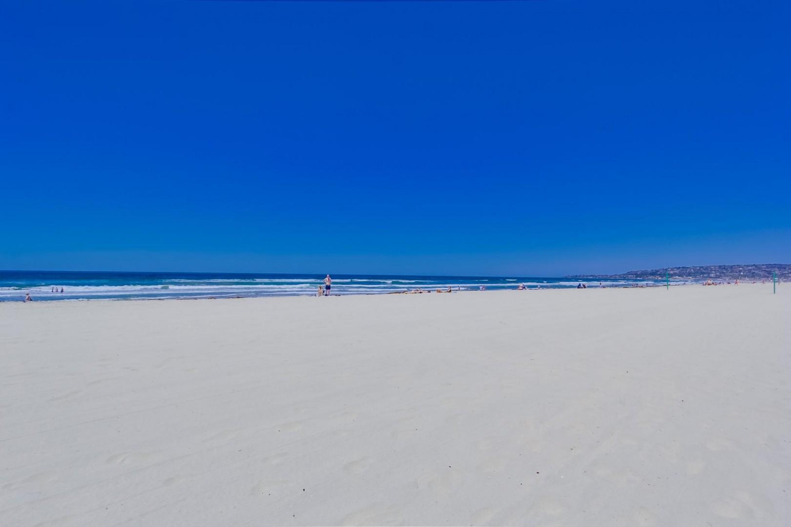 3275-ocean-front-walk-1-033_2100x1400