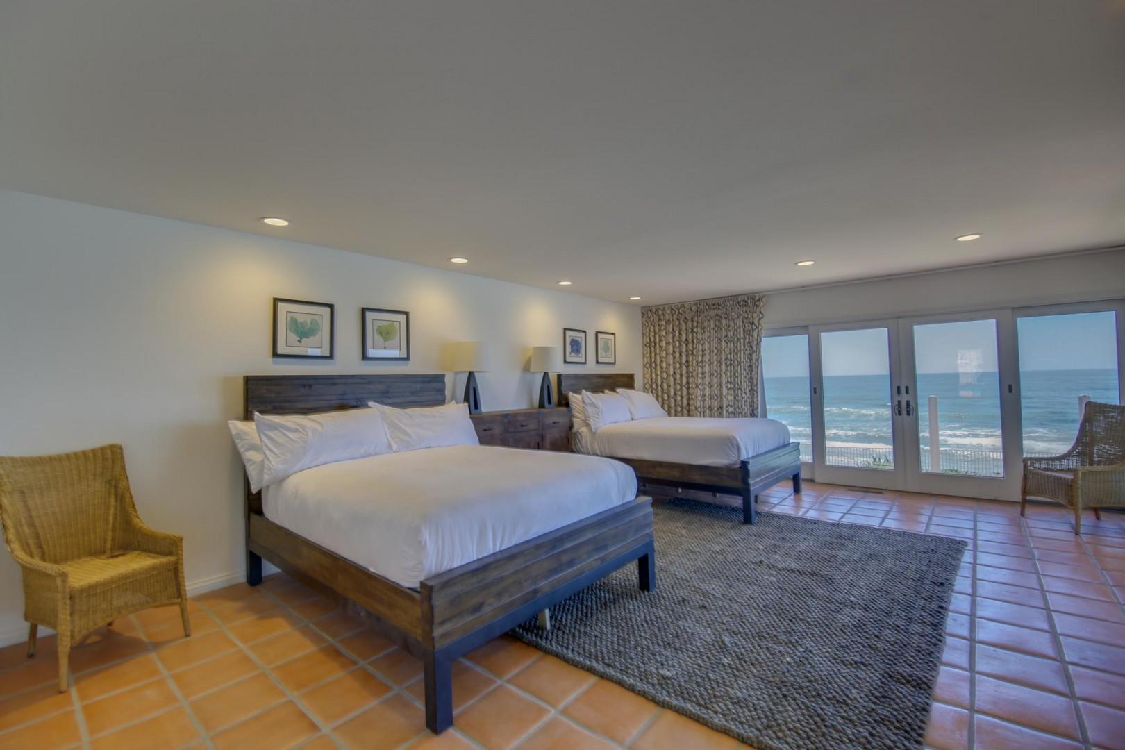 Bedroom suite 2 with queen beds