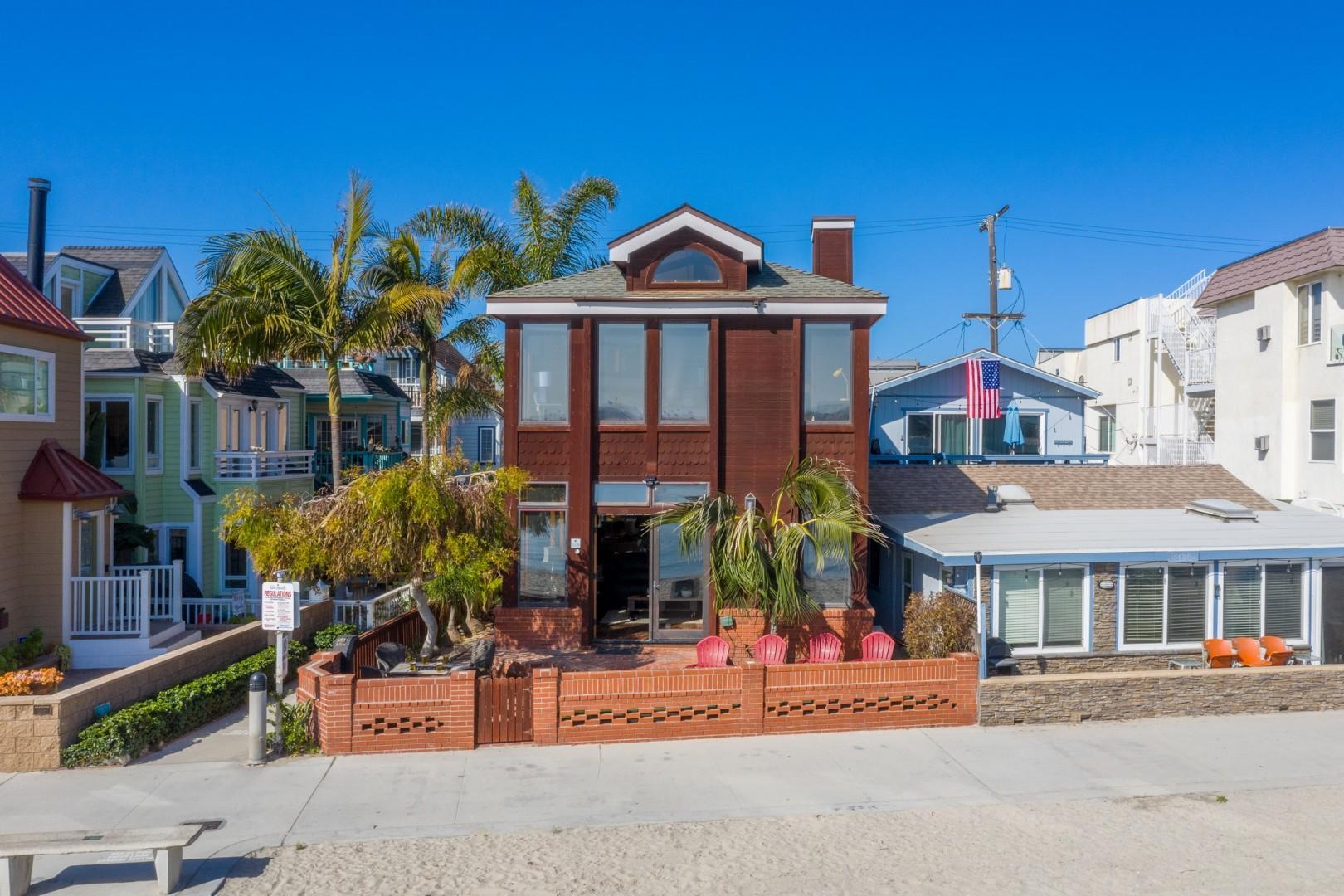 3834_Bayside_Walk_San_Diego_Airbnb_11