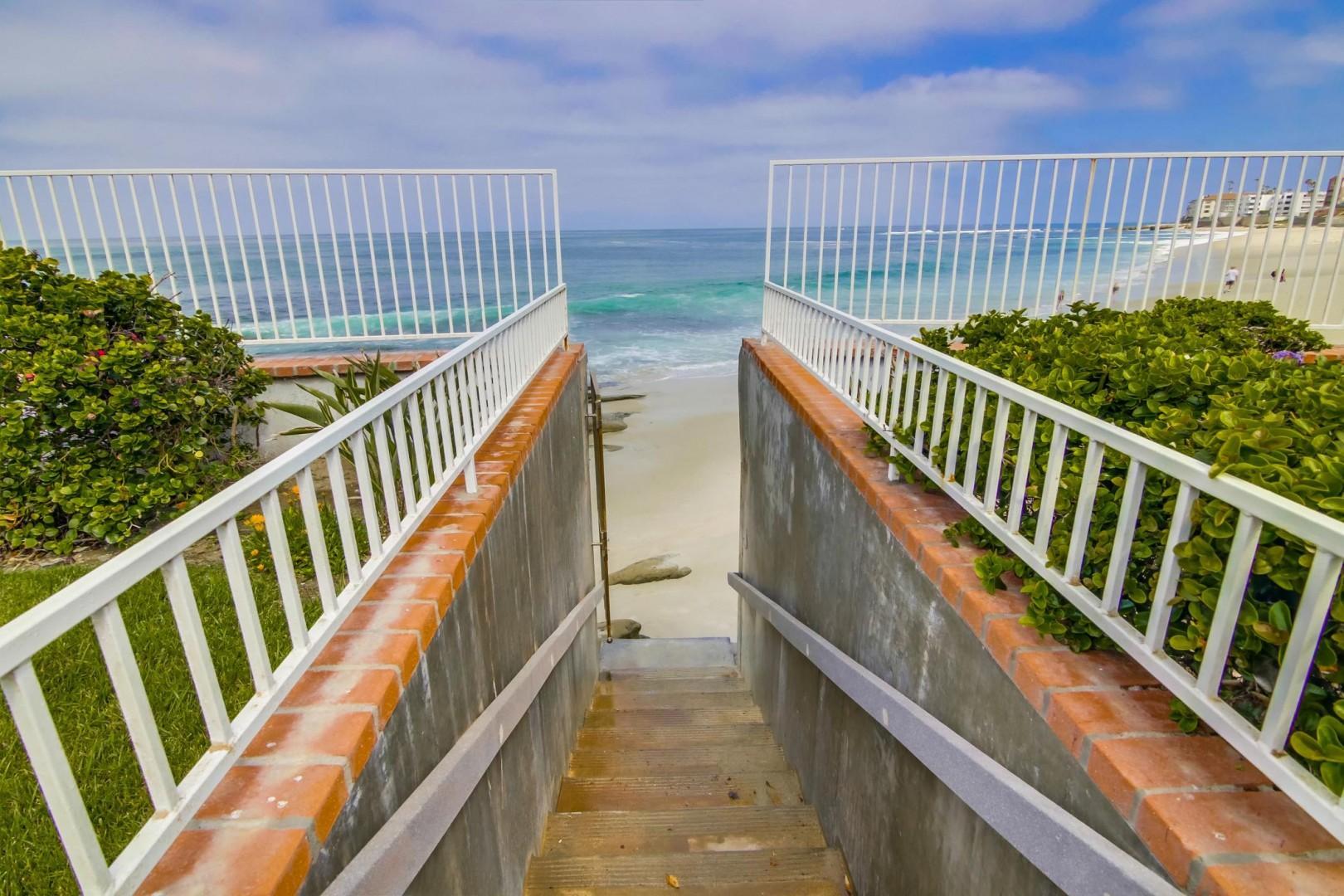 B5250 Playa Vista Beachfront