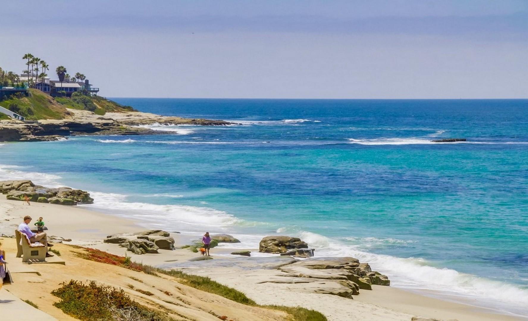 Picturesque Windansea beach in La Jolla