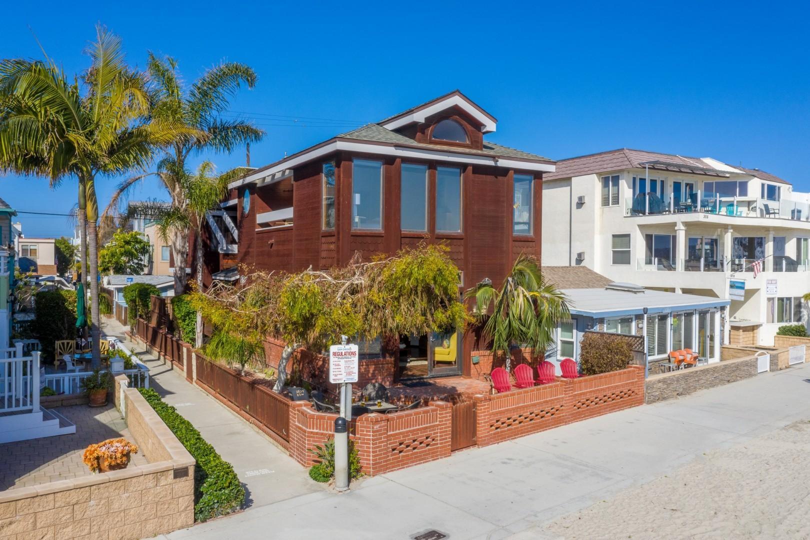 3834_Bayside_Walk_San_Diego_Airbnb_06