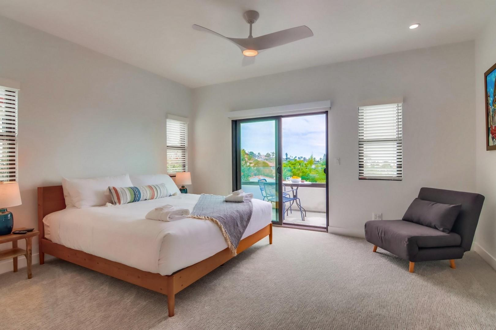 Bedroom suite 2 with view balcony