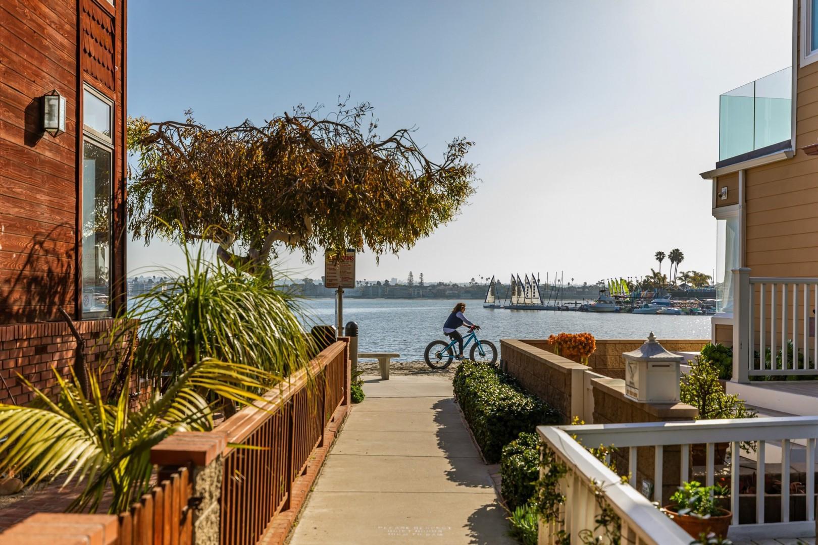 3834_Bayside_Walk_San_Diego_Airbnb_14