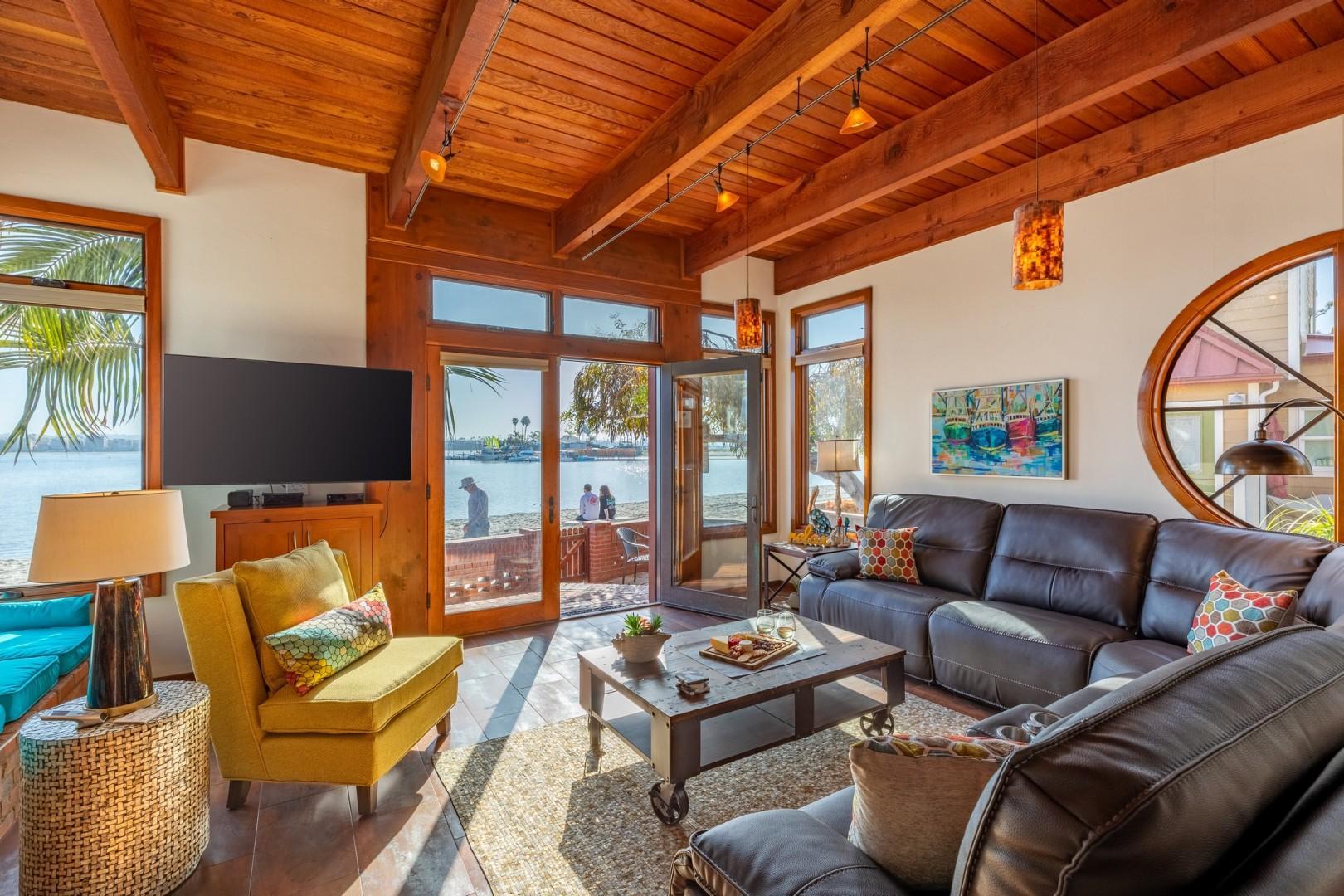 3834_Bayside_Walk_San_Diego_Airbnb_31