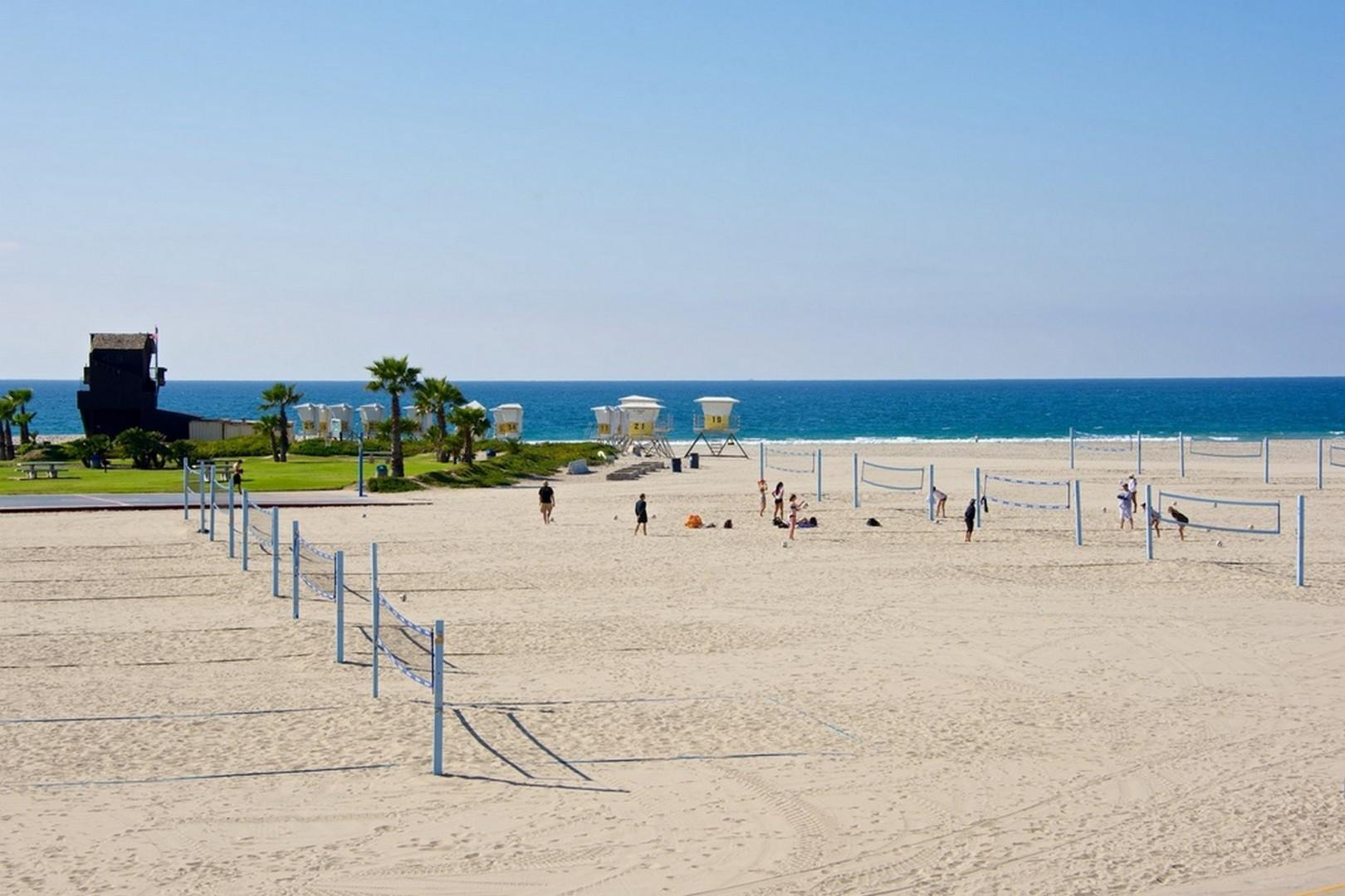 Volleyball-South-Mission-Beach
