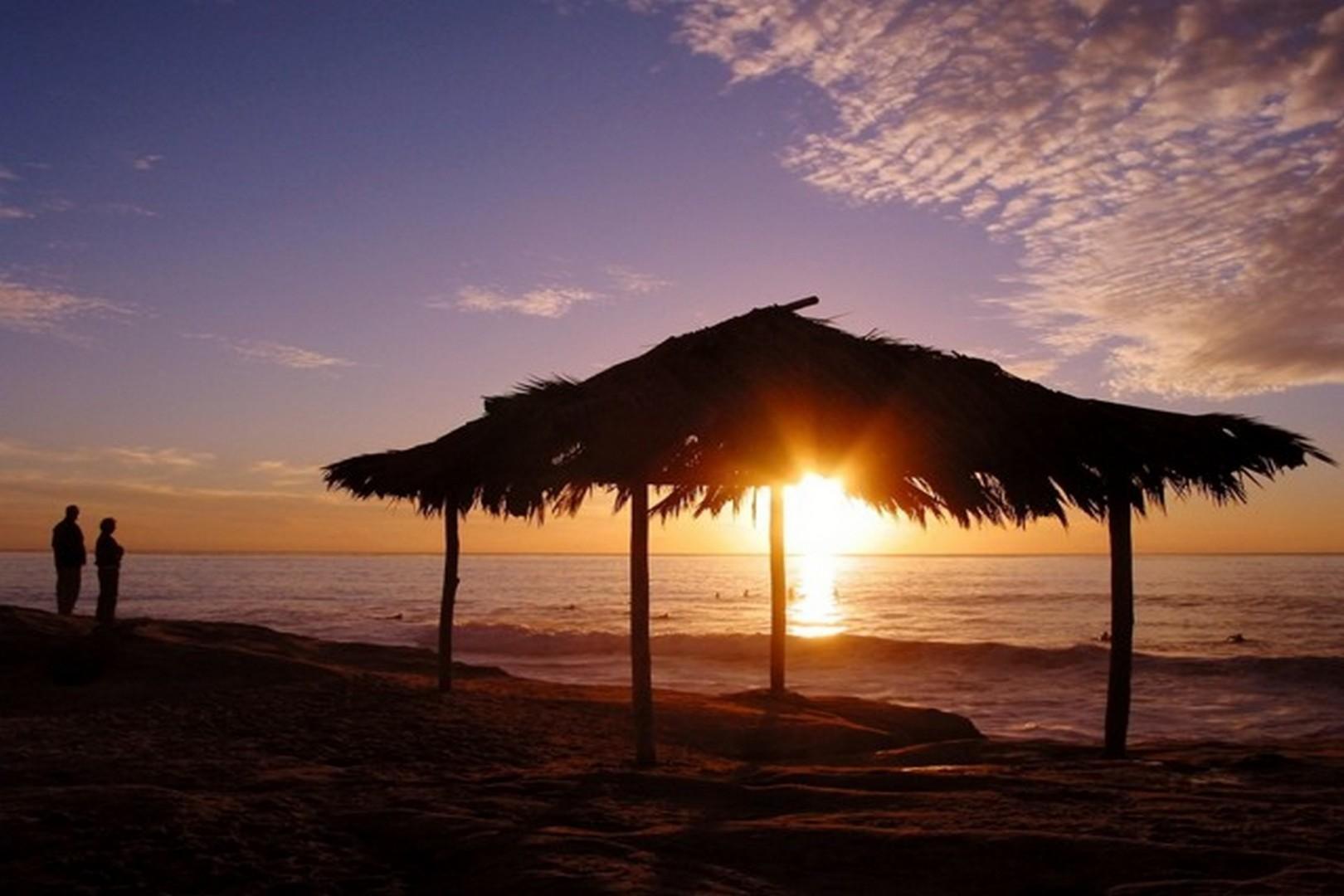 Windandsea-beach-sunset-surf-shack