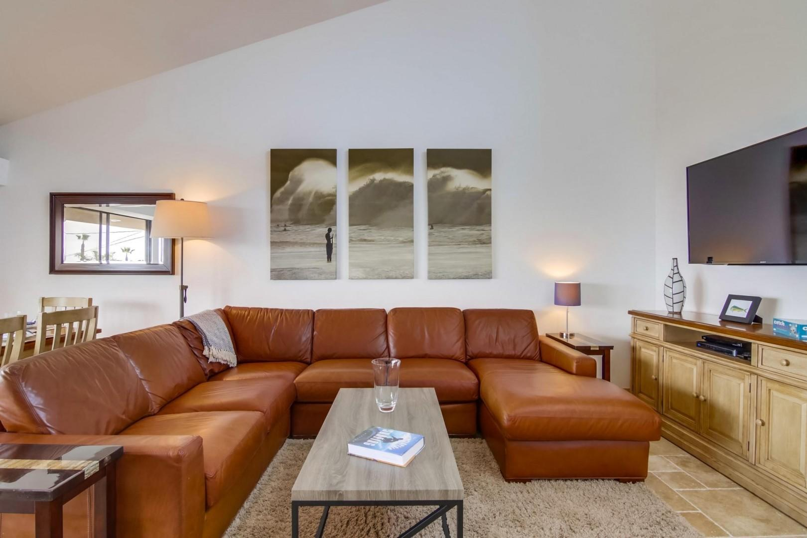 Soft and comfortable leather sectional