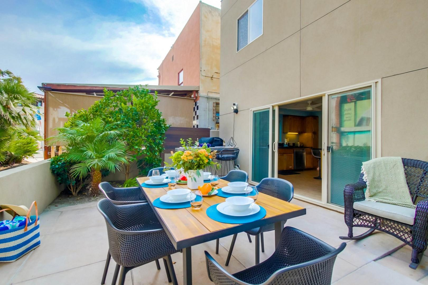Outdoor dining with gas BBQ