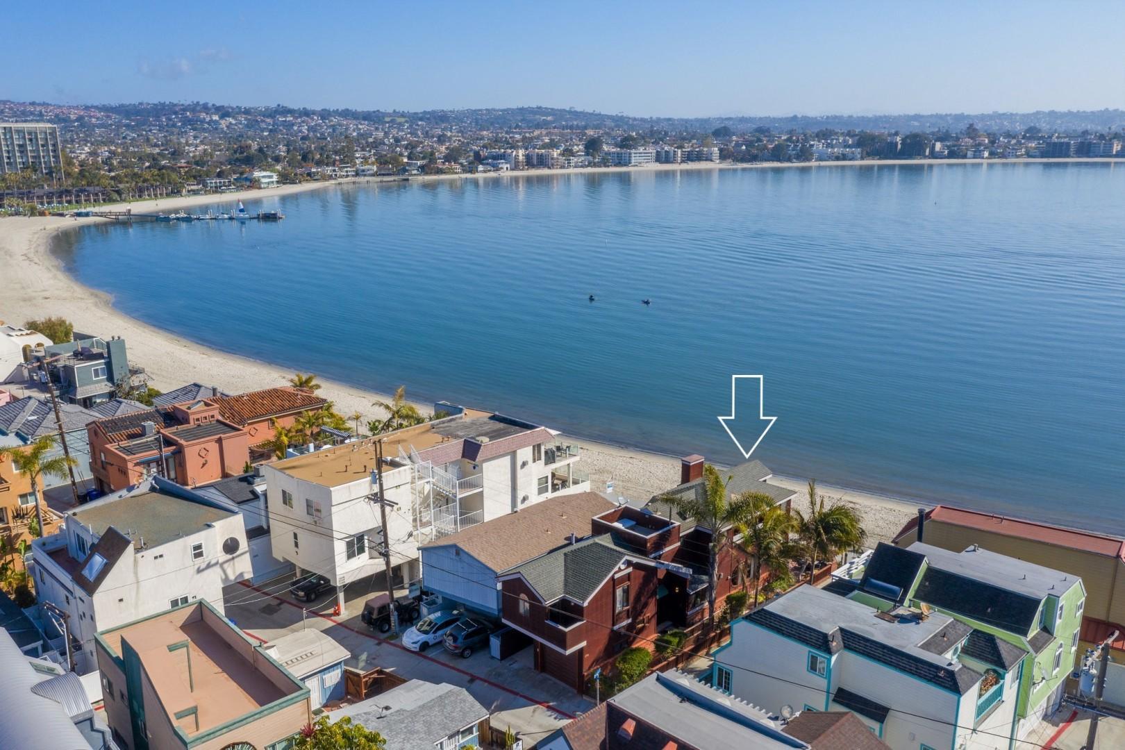 3834_Bayside_Walk_San_Diego_Airbnb_04a