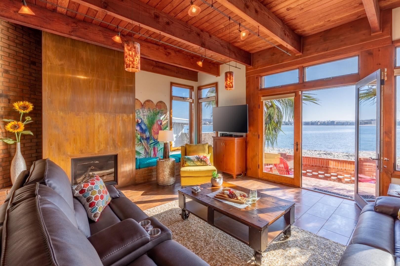 3834_Bayside_Walk_San_Diego_Airbnb_25