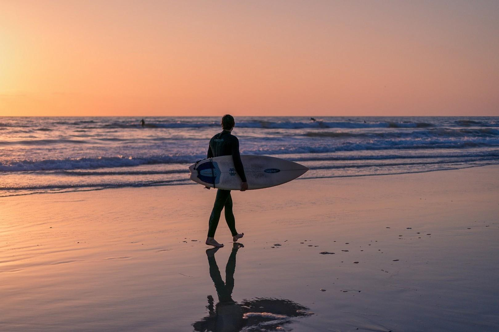 Sunset surf in Mission Beach