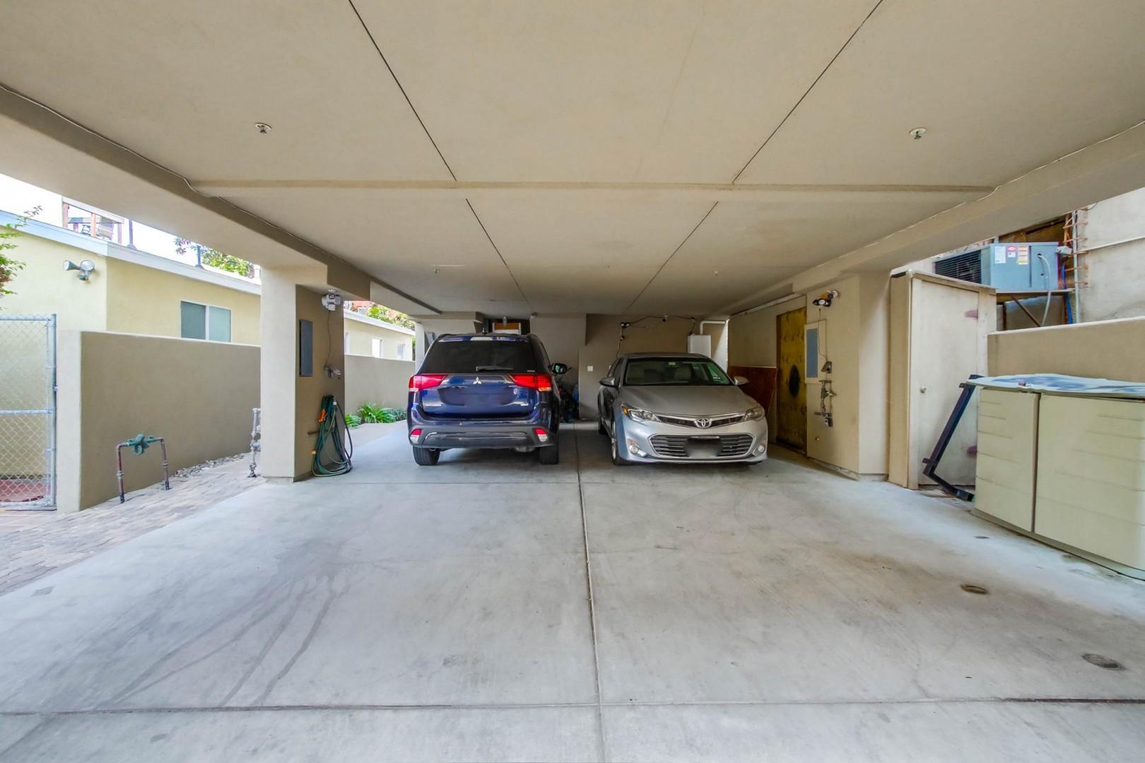 2-car tandem carport parking space