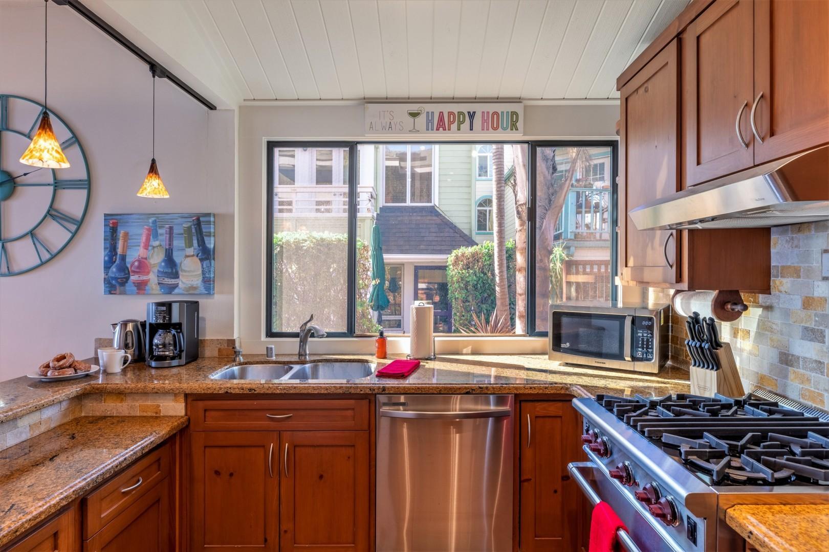 3834_Bayside_Walk_San_Diego_Airbnb_21
