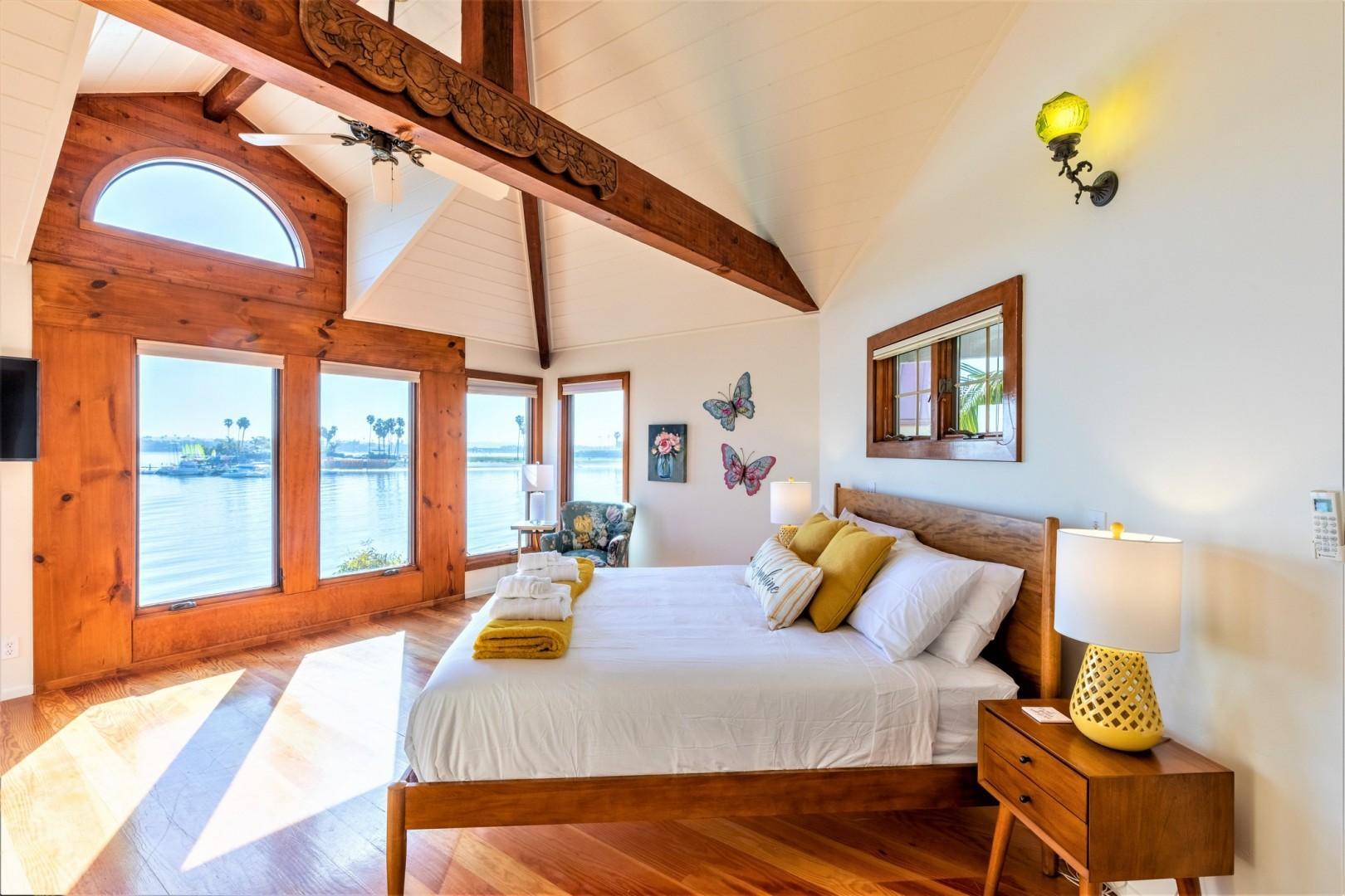 3834_Bayside_Walk_San_Diego_Airbnb_44
