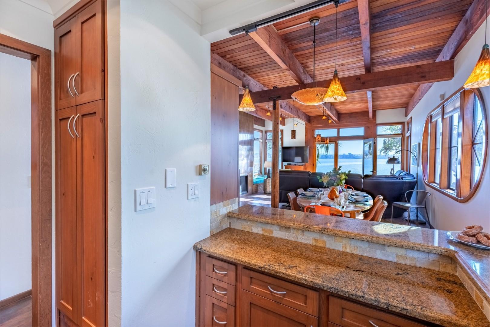 3834_Bayside_Walk_San_Diego_Airbnb_23