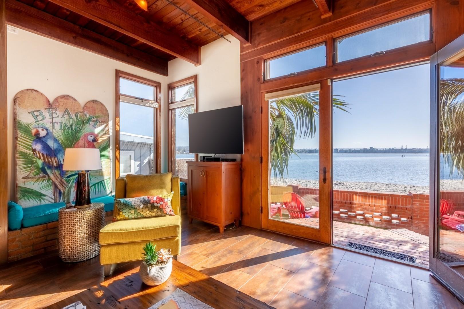 3834_Bayside_Walk_San_Diego_Airbnb_27