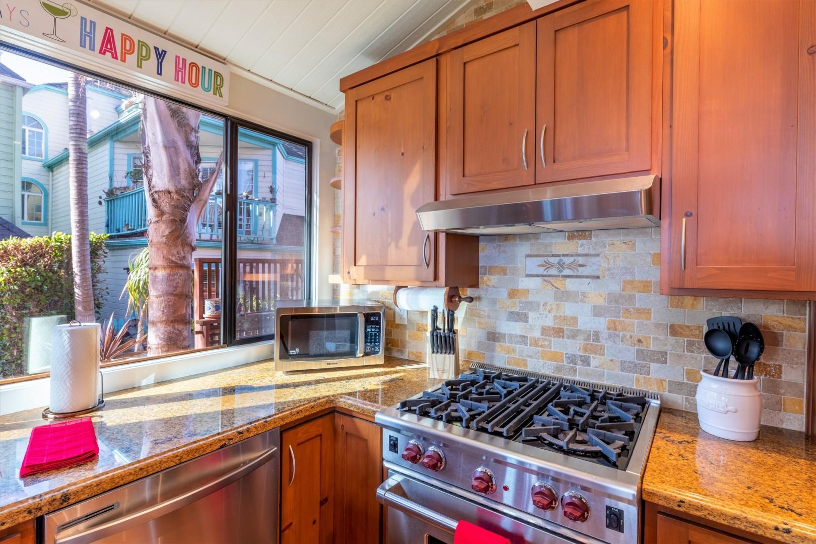 3834_Bayside_Walk_San_Diego_Airbnb_22