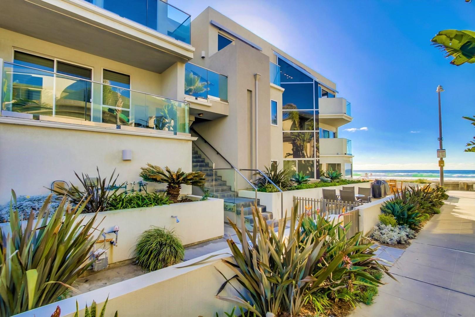 3545-ocean-front-walk-San-Diego-2-003_2100x1400