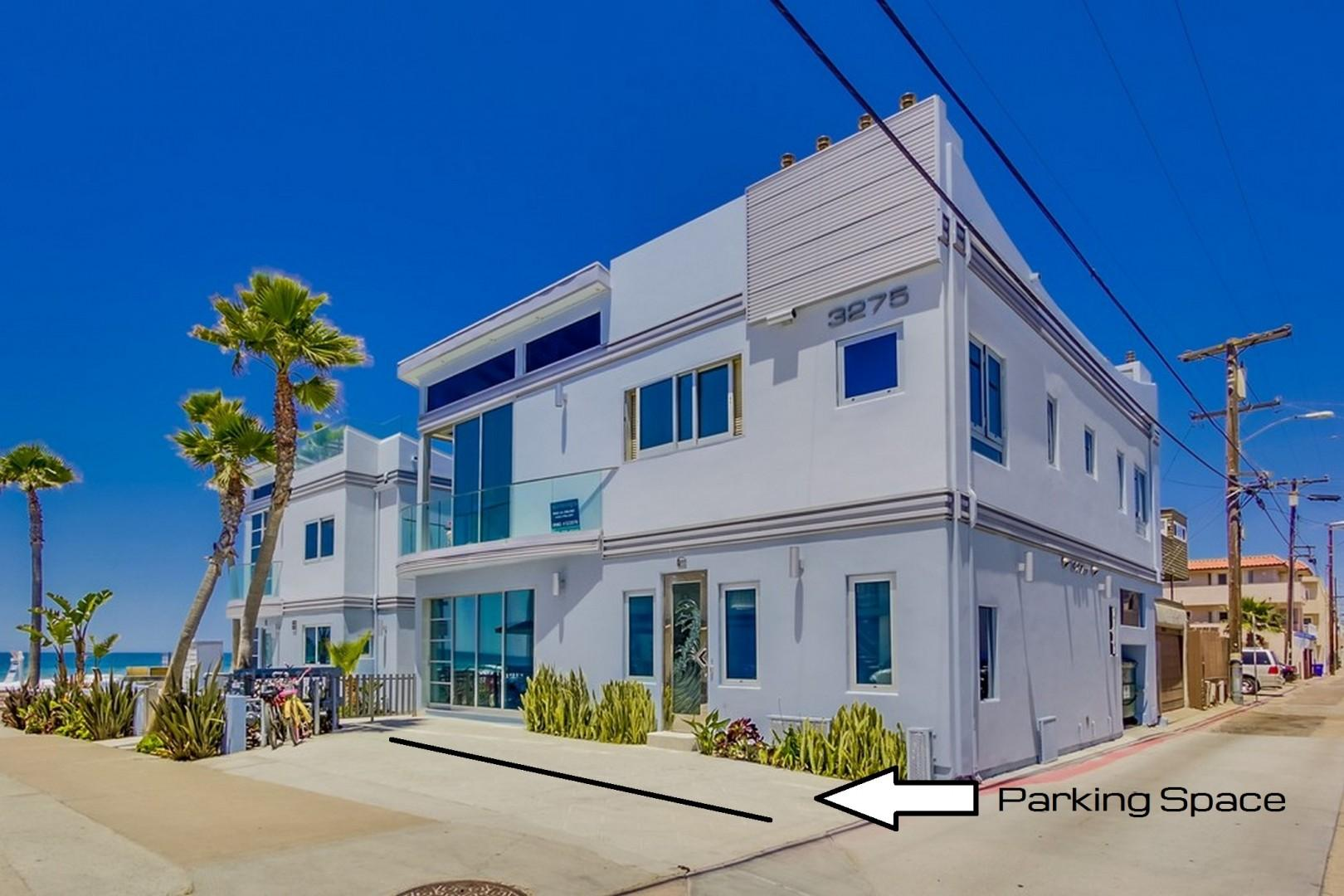 3275-ocean-front-walk-1-027_web_Parking