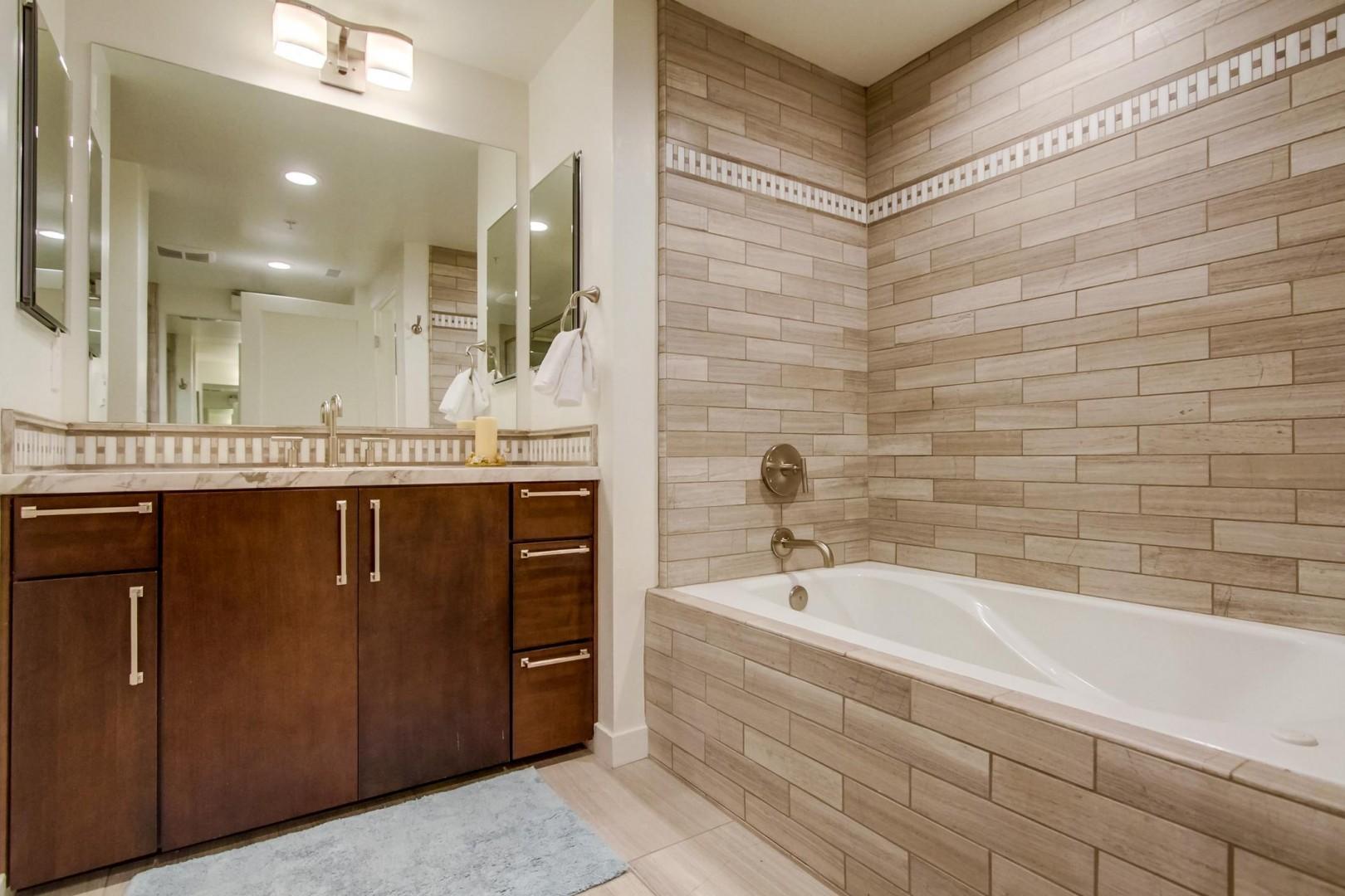 Soaking tub in the master bathroom