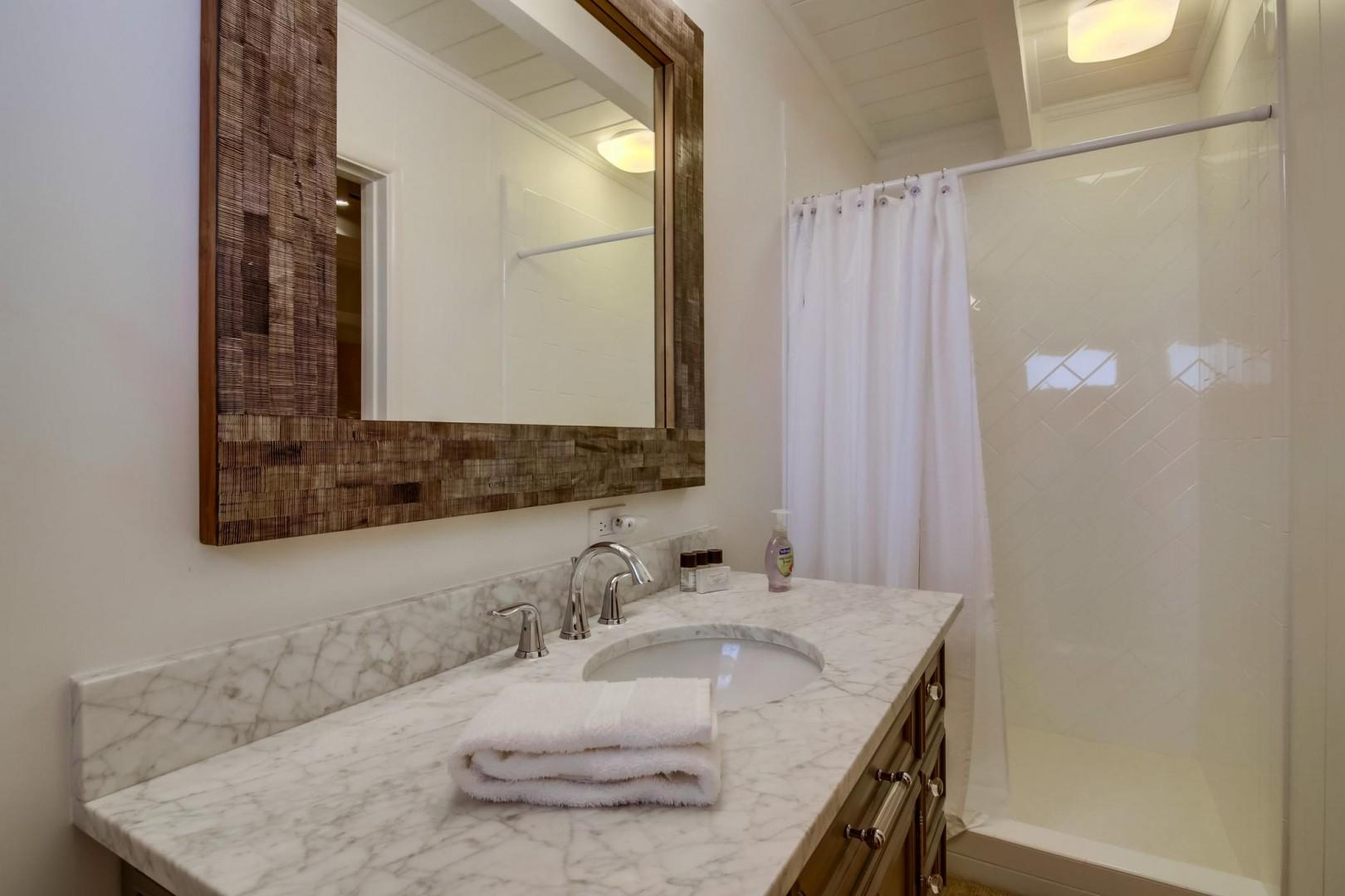 Bedroom 3 En-suite bathroom