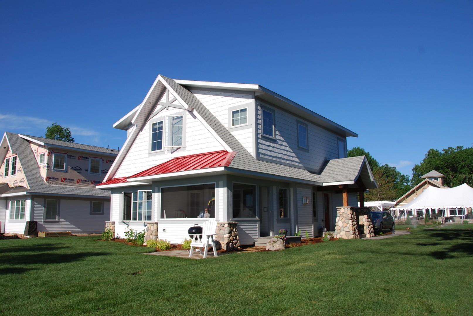 Lakeside Cottage 106