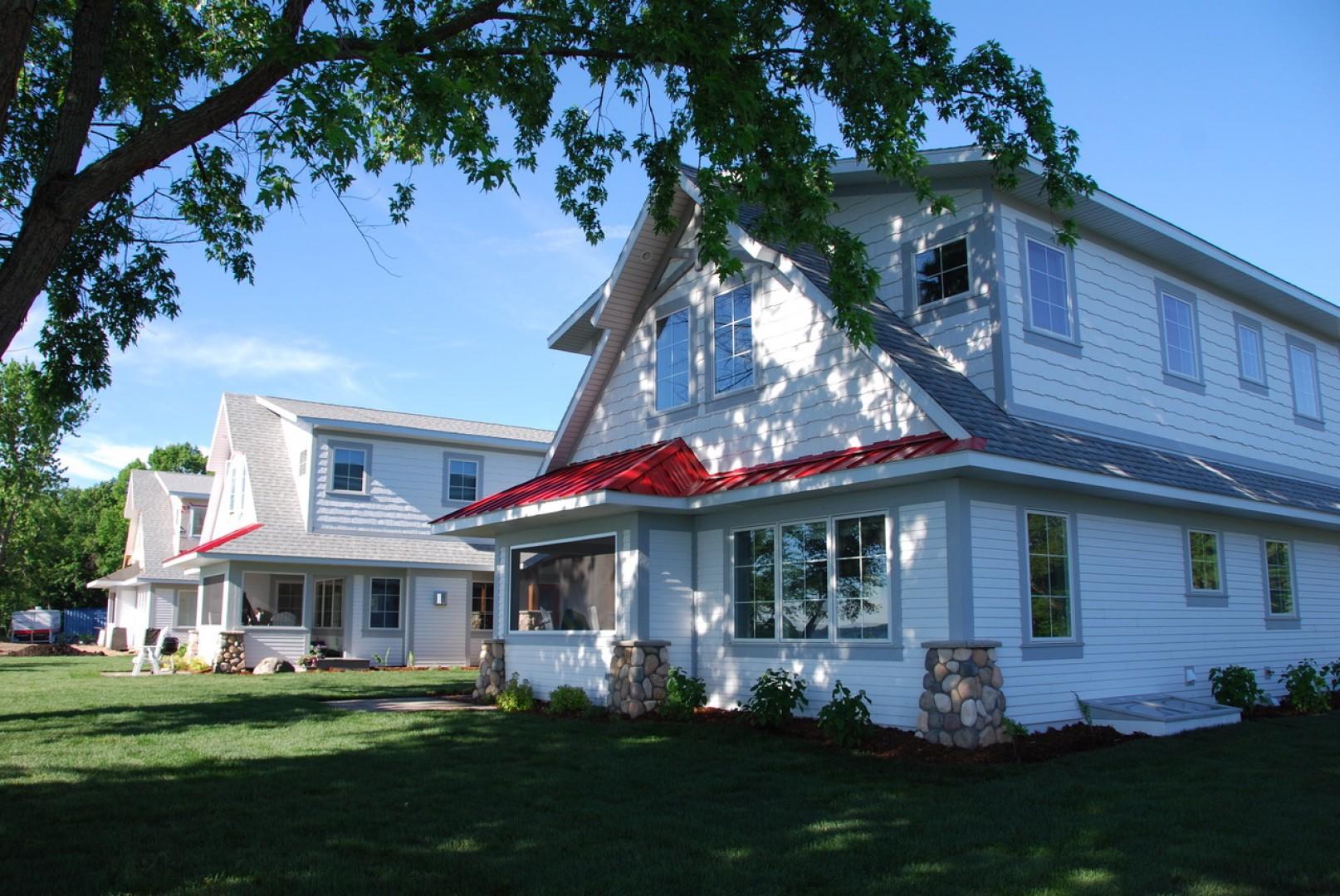 Lakeside Cottage 104