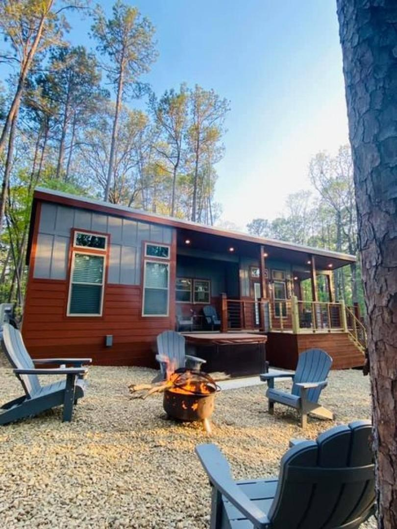 Romantic Splash Cabin