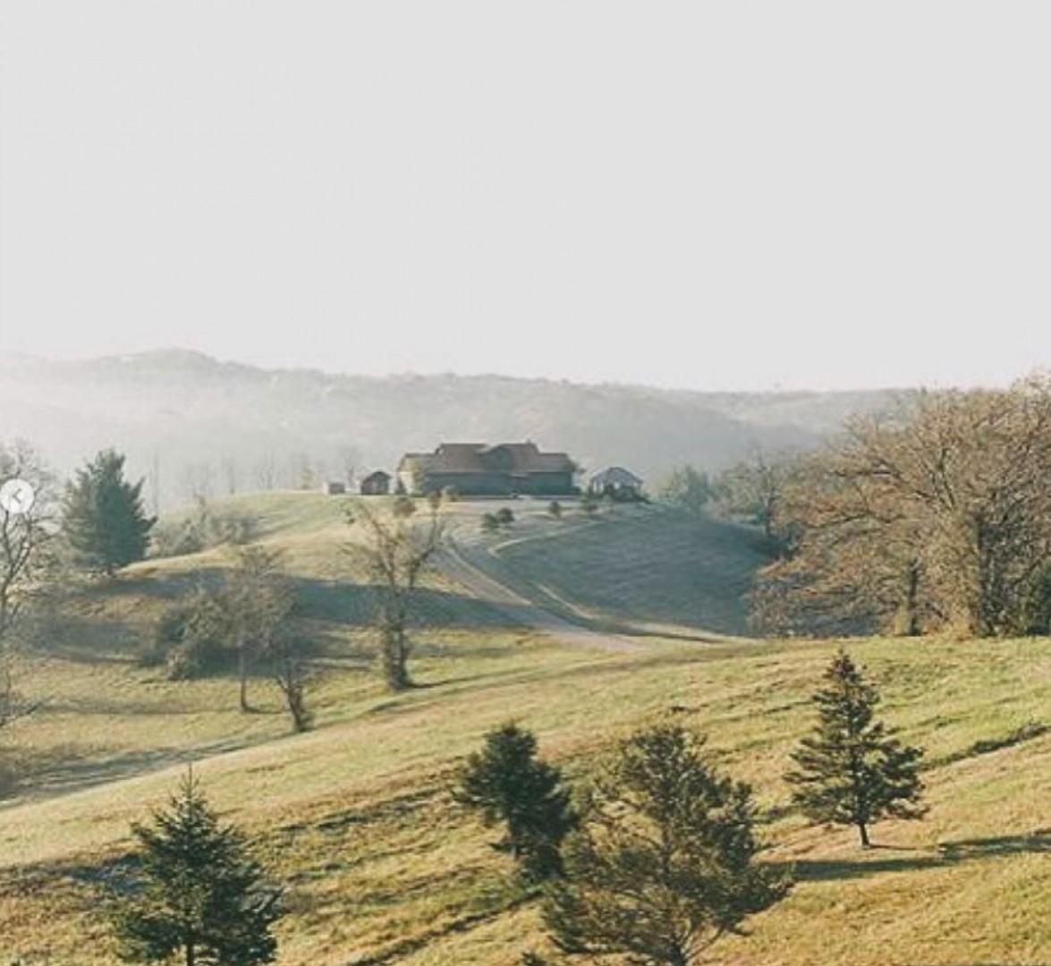 Big Sky Lodge - Hocking Hills
