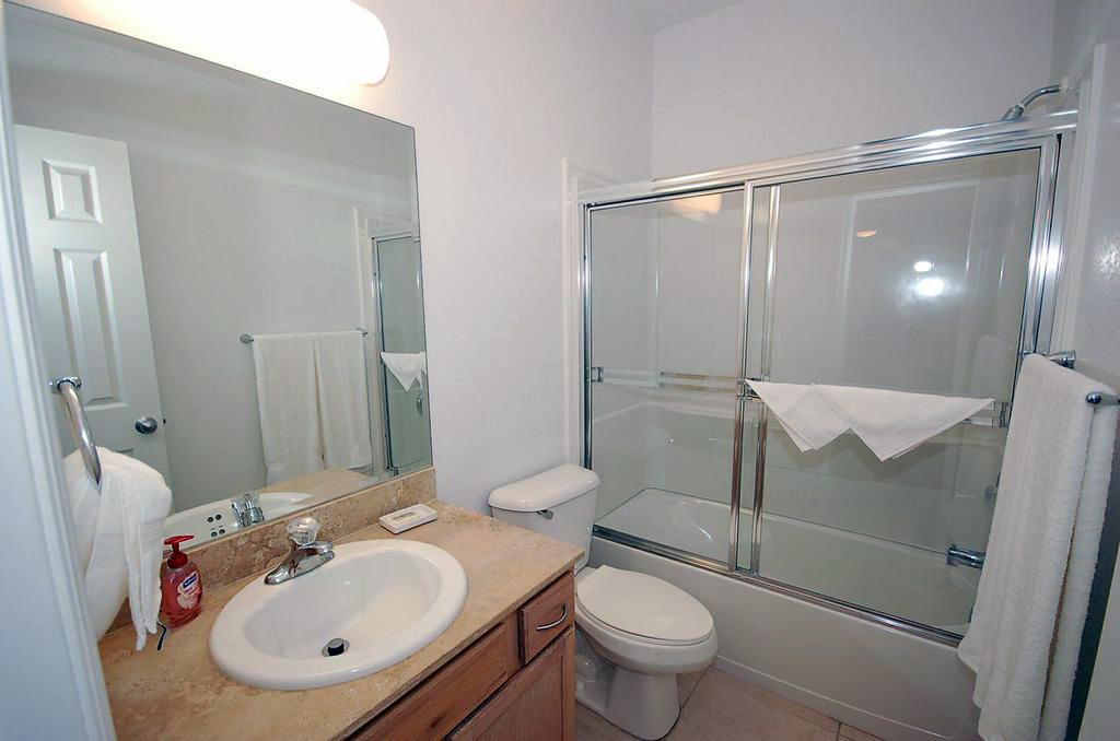 Colonial Kai Guest Bath