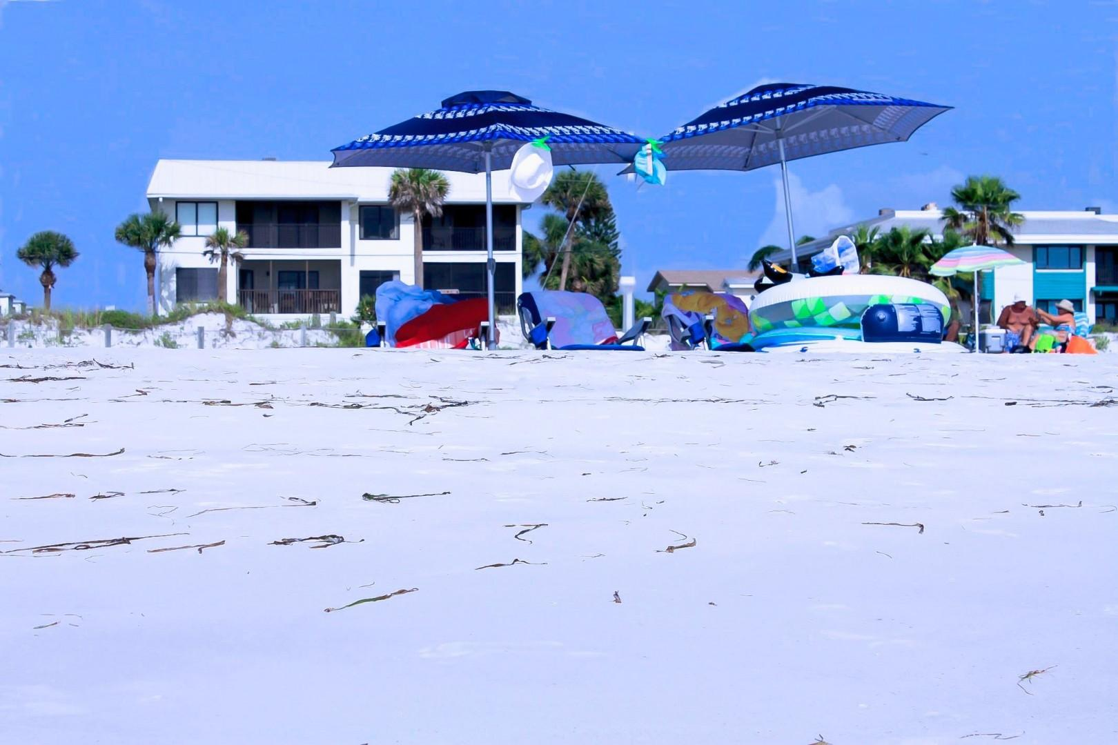 Absolute Paradise AMI-Private Beach Access-Gulf And Bay Views-Heated Pool- Walk To 14 Restaurants