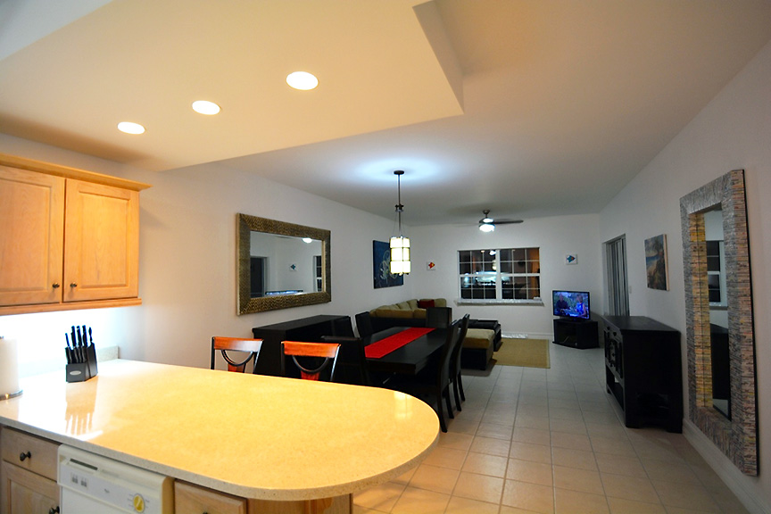 #522 Dining and Living Area